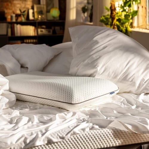Emma Pillow Review Feature